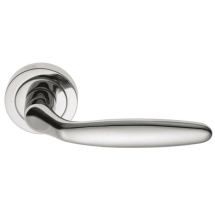 CARLISLE BRASS DR5F Derby Lever on Round Rose